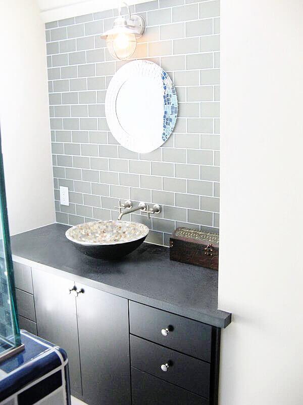 BathroomOakland1